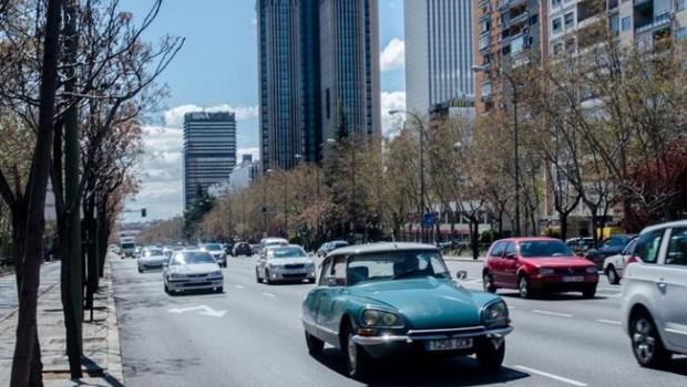 ep coches transito castellana trafico contaminacion coches clasicos madrid