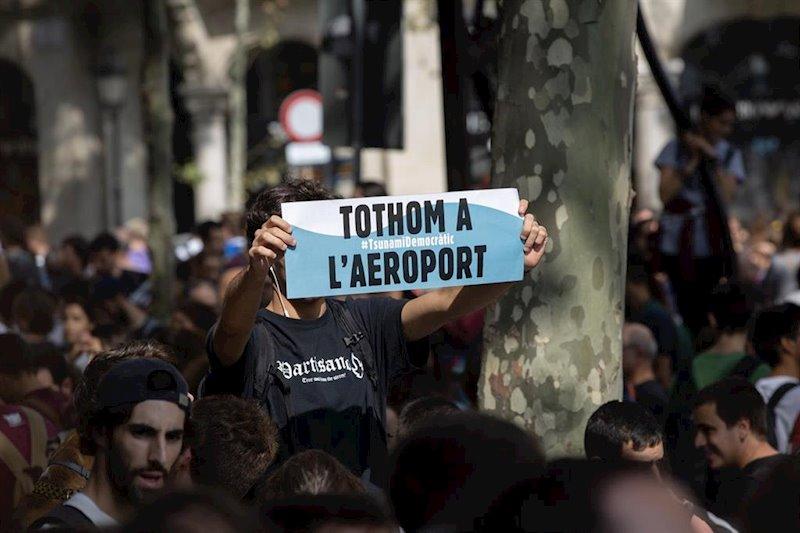 ep amp- unas 25000 personas se concentran en plaza cataluna contra la sentencia del ts