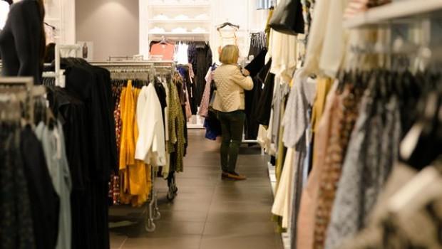 ep tiendas tienda hm ropa compras compra gente comprando