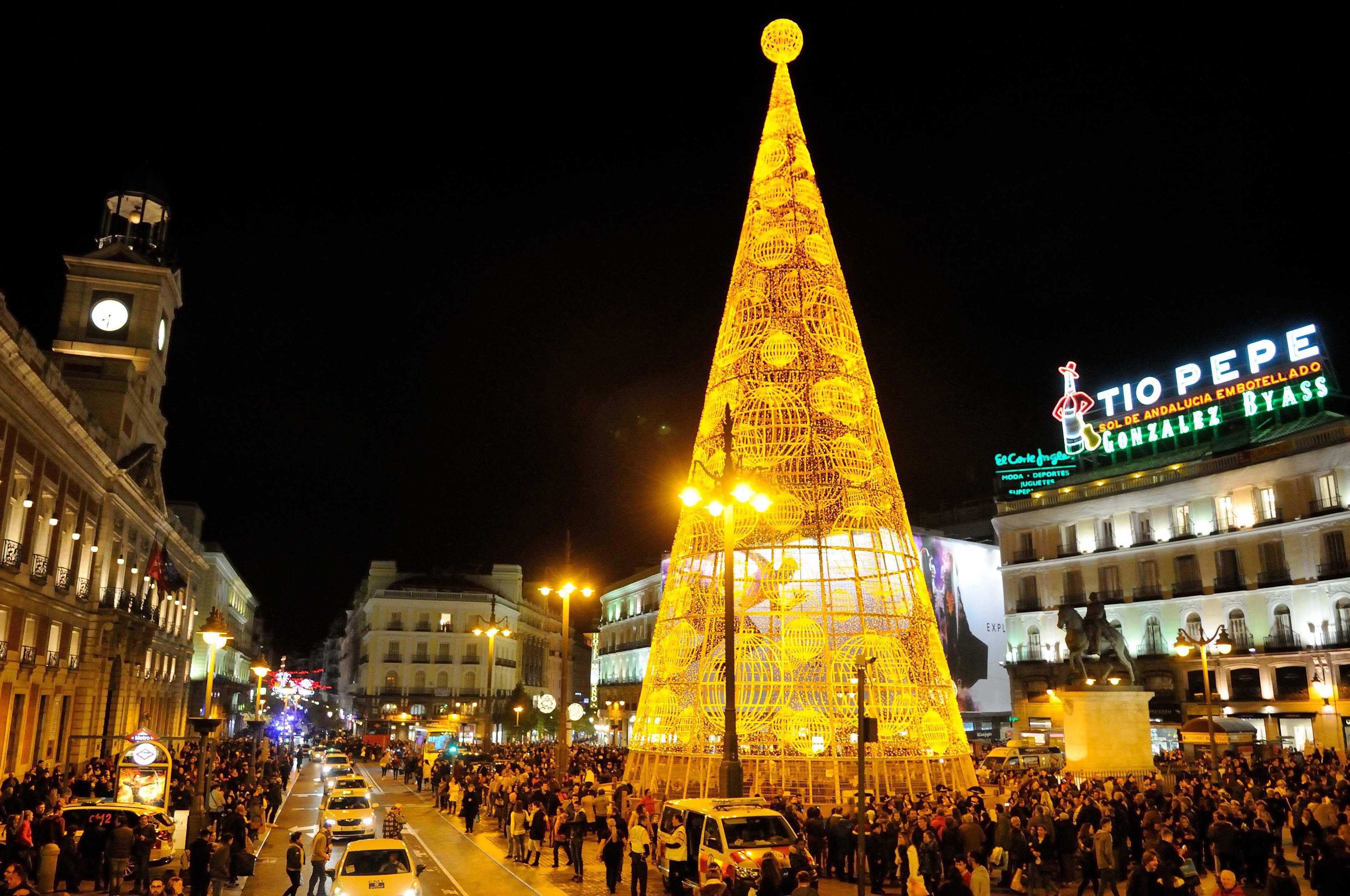 Madrid cierra la gran v a al tr fico por navidad y for Gran via puerta del sol madrid