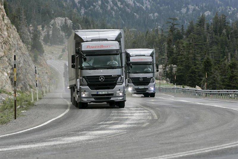 ep imagen de un vehiculo de daimler trucks