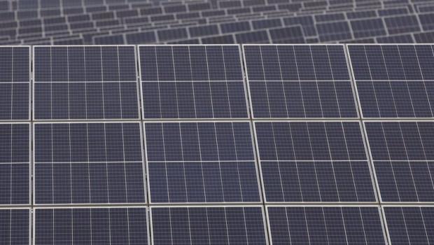 ep paneles solares de la planta andevalo de iberdrola primer proyecto fotovoltaico de la compania en