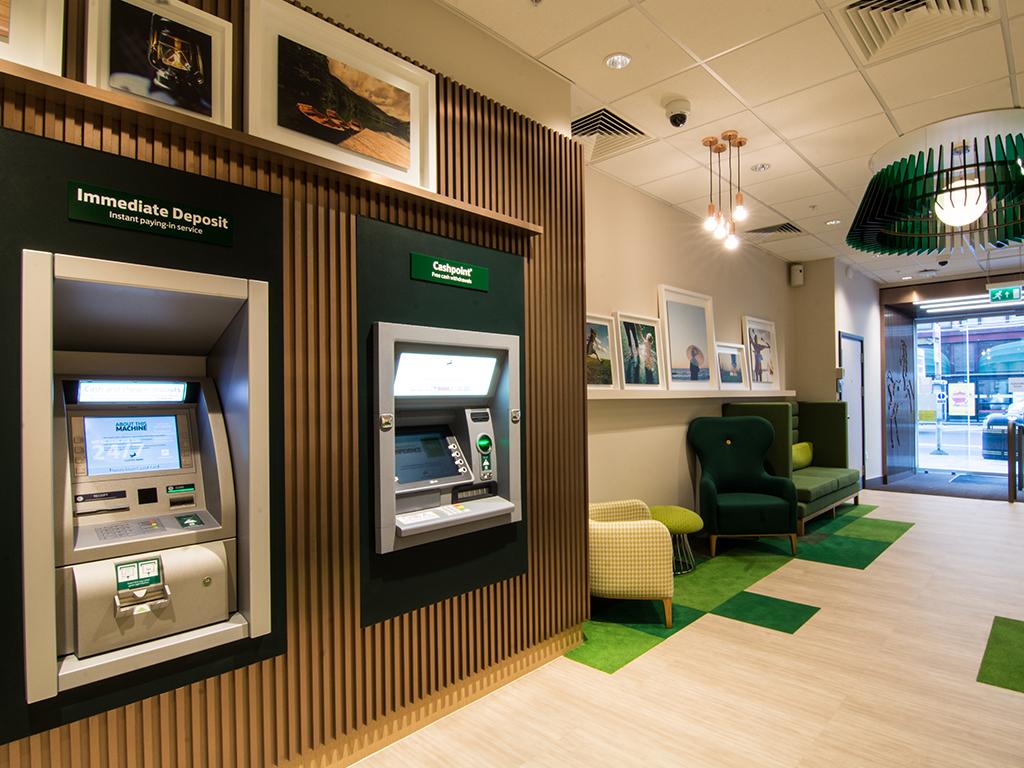 Lloyds Bank International Money Transfers and Overseas