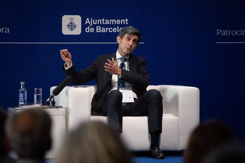 Bankinter y Telefónica, entre los 5 valores que aconseja evitar Barclays para cerrar 2021