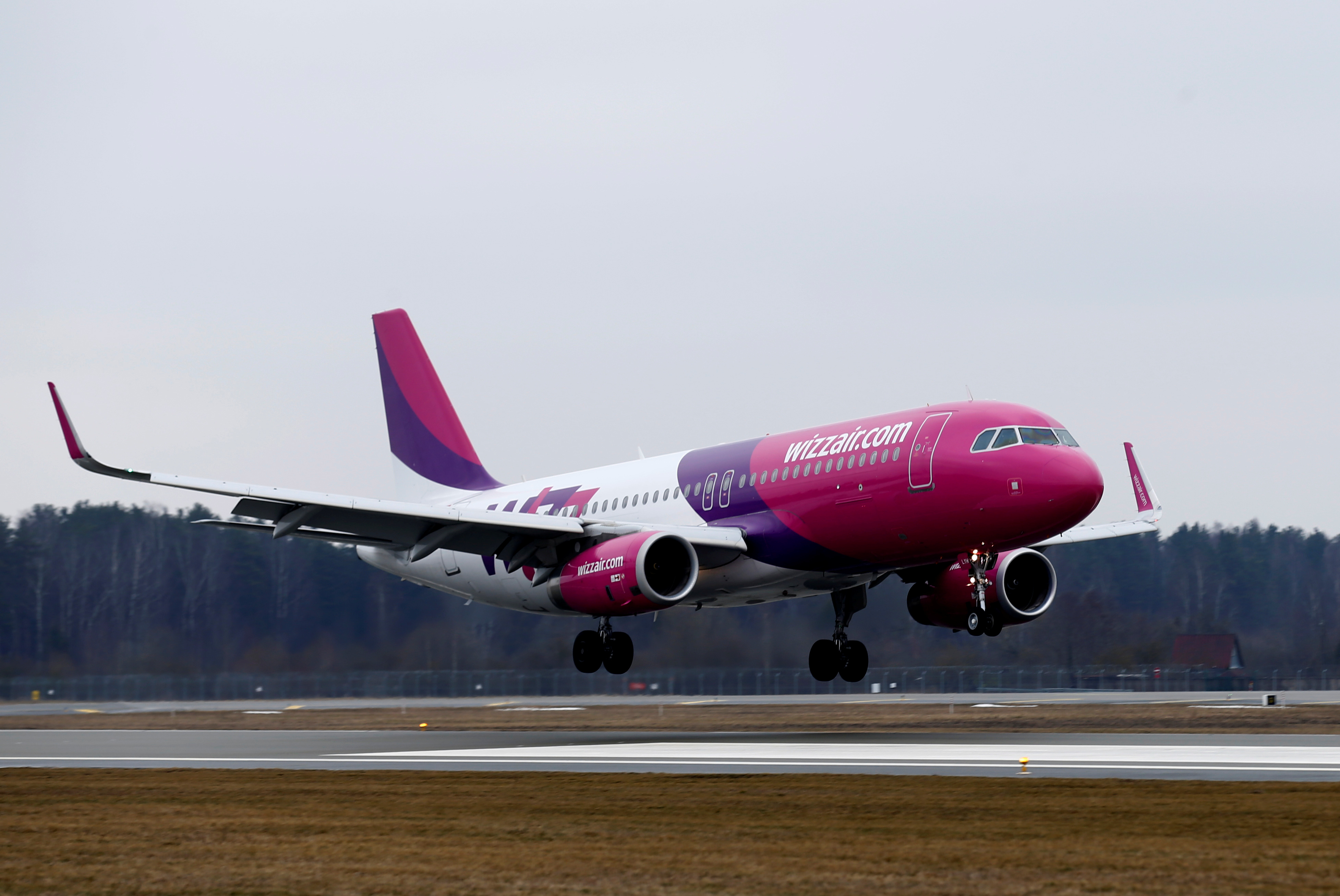 Wizz Air Conserves Cash In Q2 Launches 200 New Routes Sharecast Com