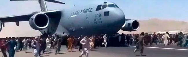 https://img.s3wfg.com/web/img/images_uploaded/2/3/afganistan-avion-gente-portada.jpg