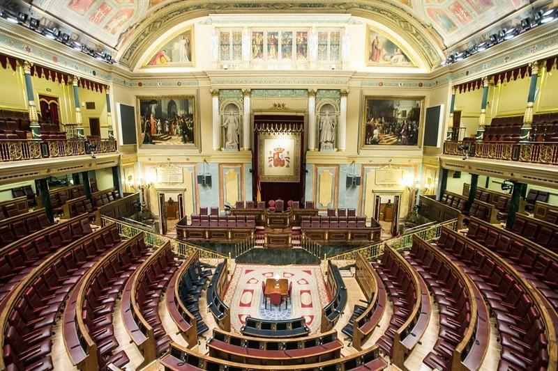 https://img.s3wfg.com/web/img/images_uploaded/2/3/ep_nuevo_congreso_arranca_mananala_eleccionsu_mesa_presidencialjuramento_constitucionallos_diputados.jpg