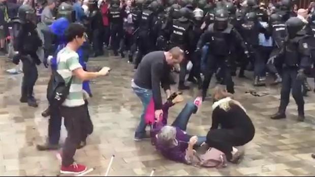 ep decenasheridos durantecargas policiales1-o