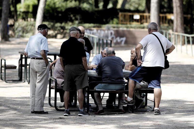 Así garantizarían las pensiones los españoles: más incentivo al ahorro y no subir impuestos