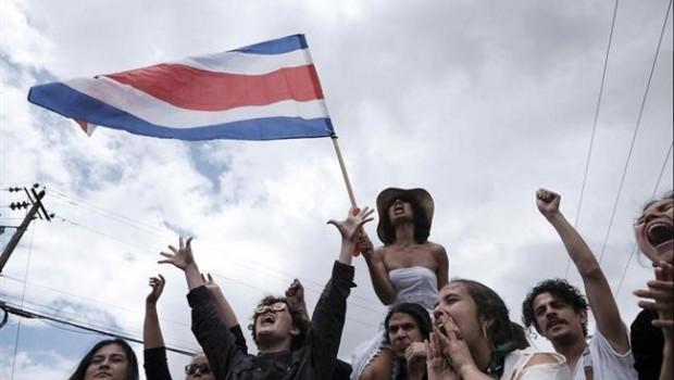 """Sindicatos de Costa Rica siguen huelga contra impuestos"""""""
