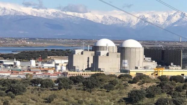 ep archivo   vista de la central nuclear de almaraz caceres
