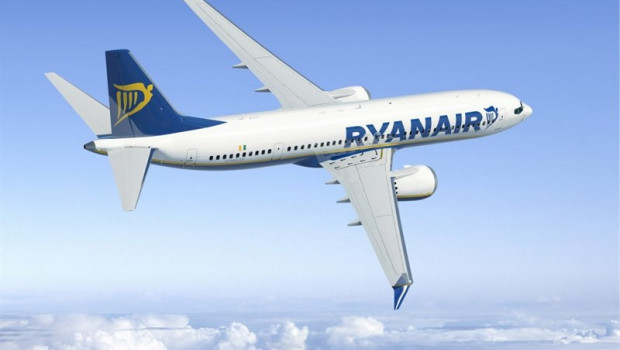 Coronavirus: BA and Ryanair cancel flights as bookings drop