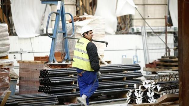 ep gente trabajando trabajador autonomo paro empleo epa obra construccion construction worker employment jobs