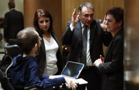 ep archivo - la portavoz socialista adriana lastra 2i conversa con el portavoz de unidas podemos