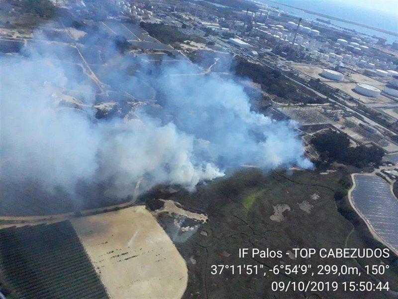 ep incendio declarado en el paraje estero de domingo rubio en palos de la frontera huelva