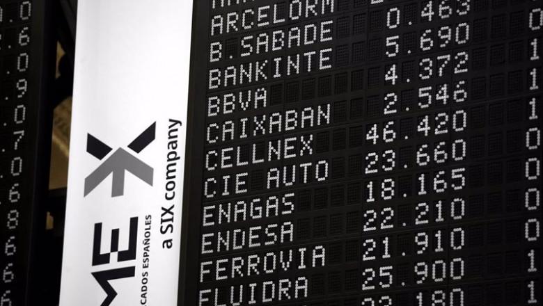 ep archivo   valores del ibex 35 en un panel del palacio de la bolsa a 21 de abril de 2021 en madrid