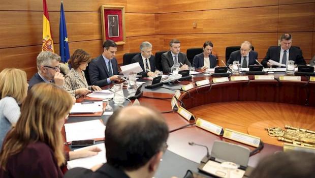 ep el presidente del gobierno pedro sanchez reune al comite de coordinacion para seguir la situacion