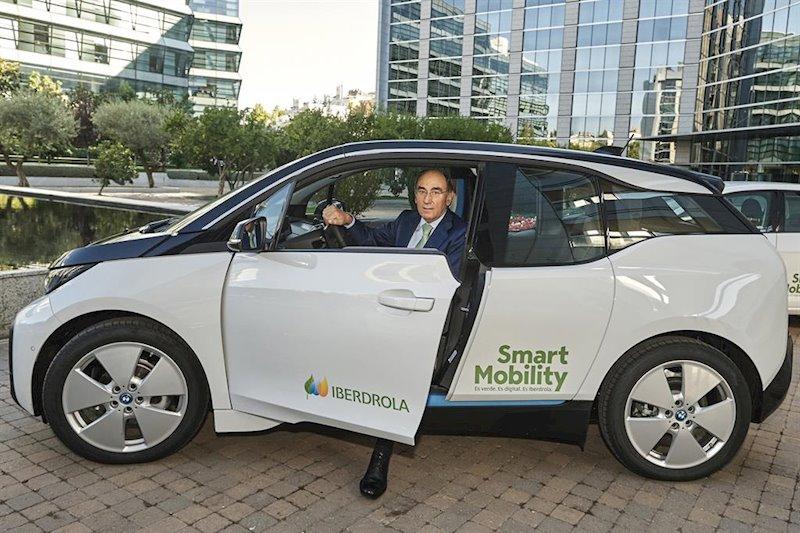 ep el presidente de iberdrola ignacio sanchez galan en un vehiculo electrico