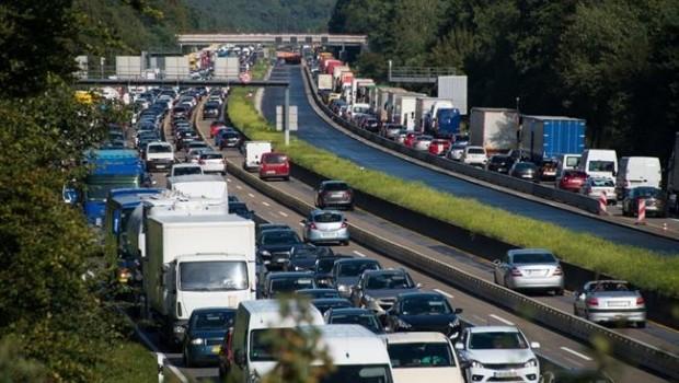 ep atasco trafico carretera retencion