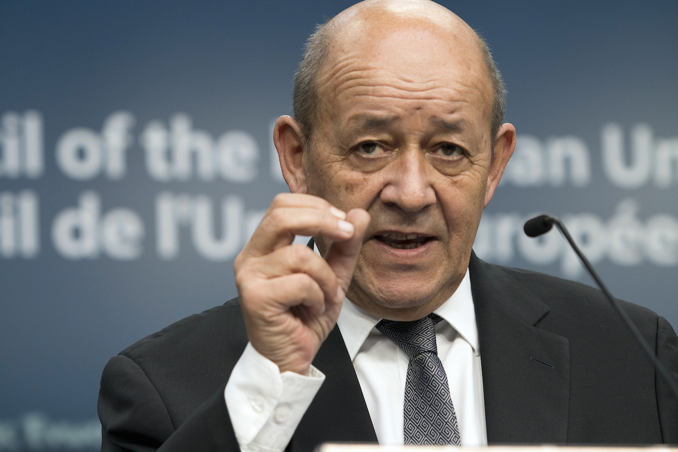 https://img.s3wfg.com/web/img/images_uploaded/9/a/jean-yves-le-drian.jpg