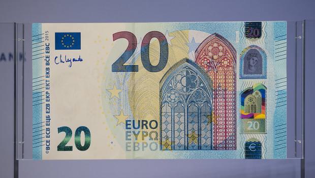 ecb dl euro bonds economy bank notes consumer inflation