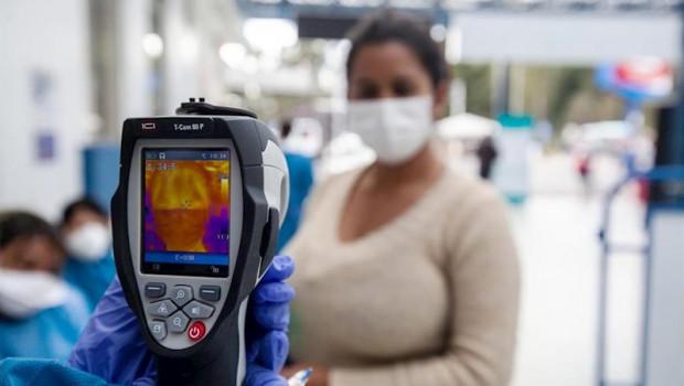 ep comprobacion de temeperatura por el coronavirus en ecuador