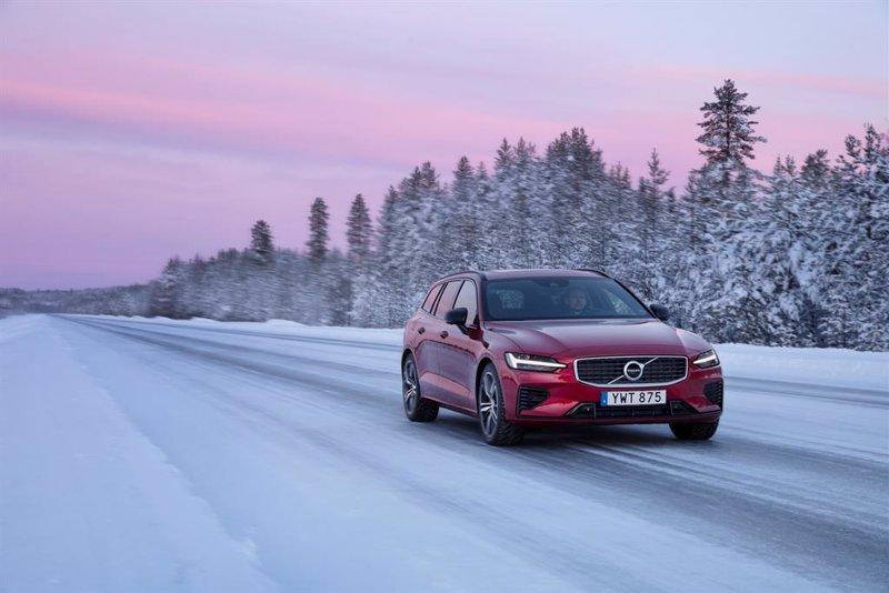 Volvo será 100% eléctrica para 2030 y doblará su apuesta por lo online