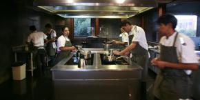 la-cuisine-d-un-restaurant-a-la-paz-en-bolivie-en-2013