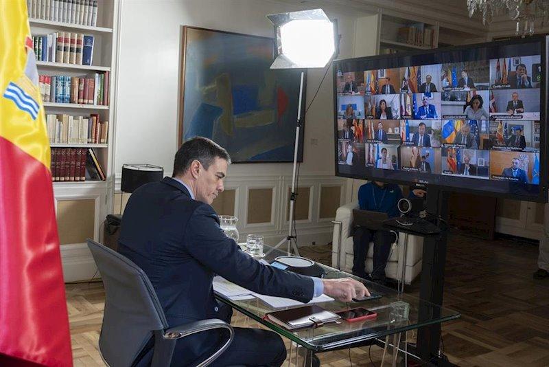 https://img.s3wfg.com/web/img/images_uploaded/e/0/ep_el_presidente_del_gobierno_pedro_sanchez_durante_la_videoconferencia_con_los_presidentes.jpg