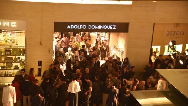 Econom a adolfo dom nguez refuerza su presencia en for Tiendas adolfo dominguez valencia