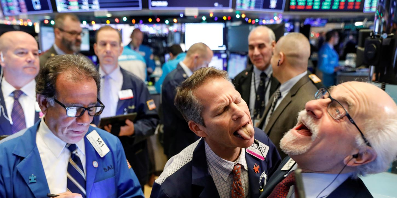 Rebote moderado en Wall Street tras el desplome de 1.000 puntos del Dow Jones