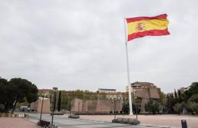 ep bandera de espana en la plaza de colon durante el primer dia del luto oficial por los fallecidos