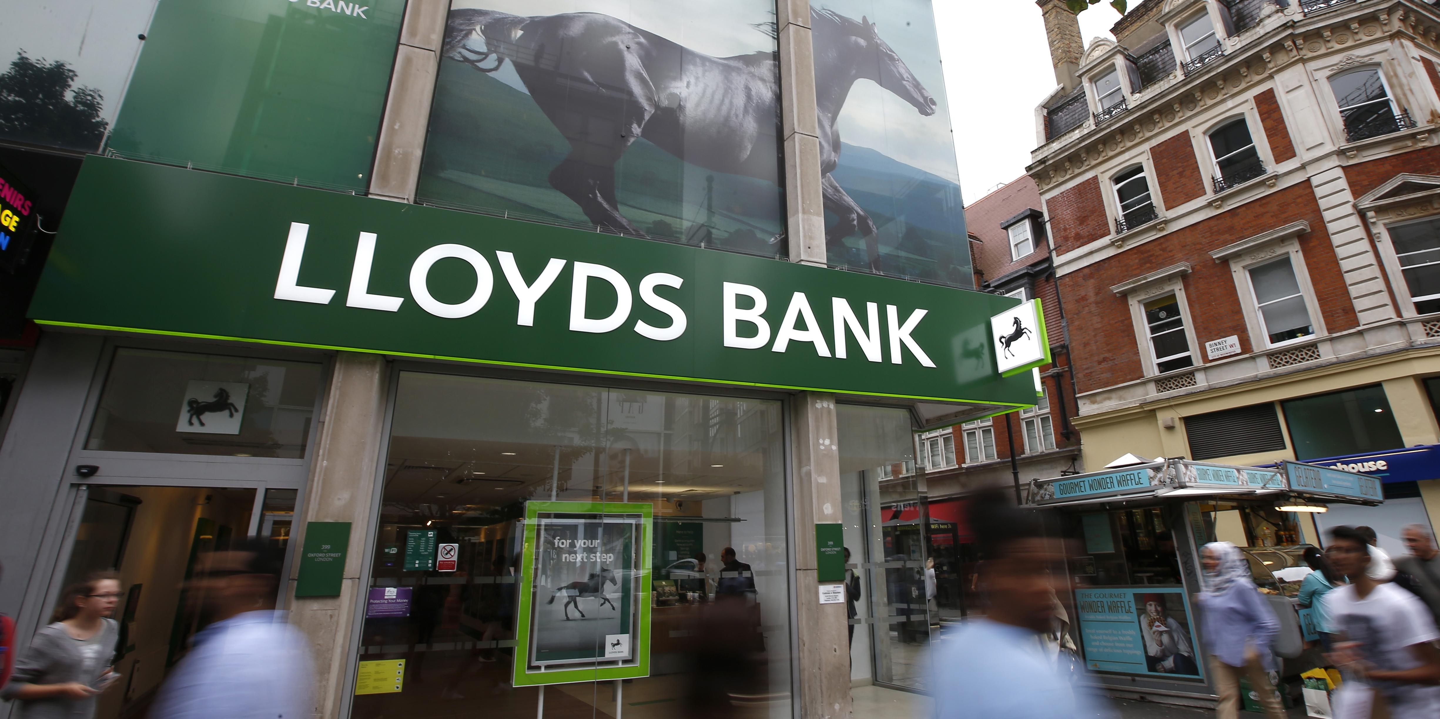 Lloyds gana un 33% menos en 2019 y advierte sobre la incertidumbre del Brexit